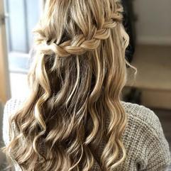 Hair training #hair #training #blonde #curls #boho #bridal #relaxed #plait #halfup