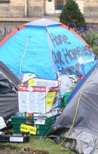 _92309866_tents.jpg