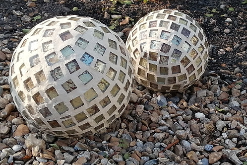 Mosaics for your garden workshop with Bethan Ash BA016
