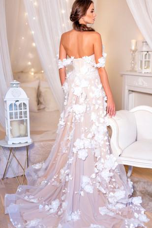 Svatební šaty Michaela Dúcká