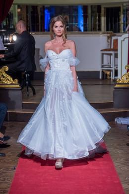 Módní přehlídka Naše české ruce- svatební šaty