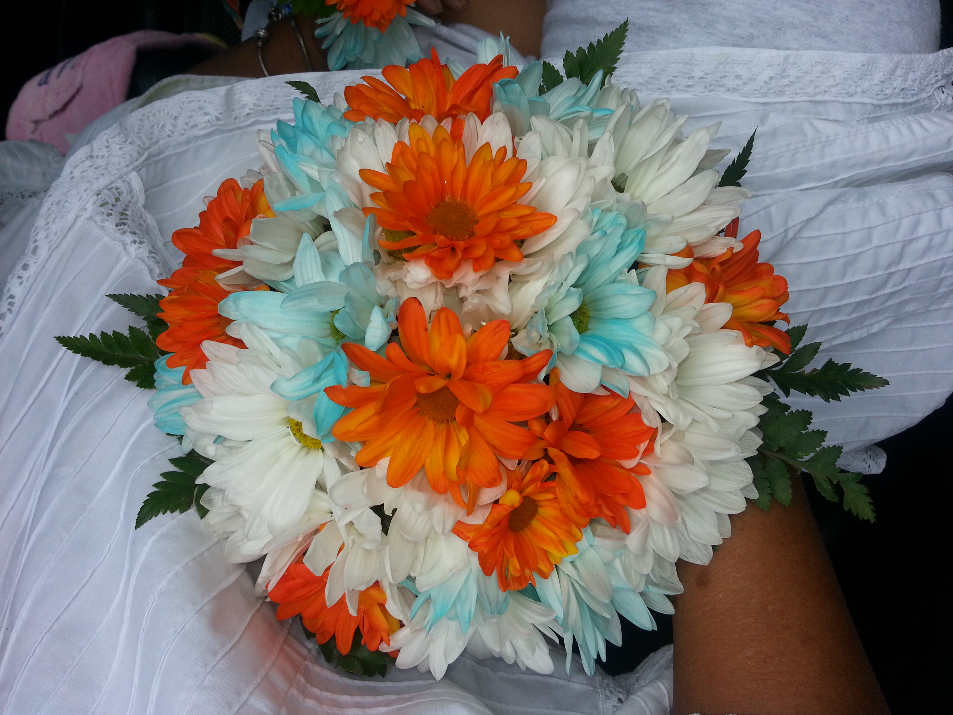 Daises & Chrysanthemum Mix