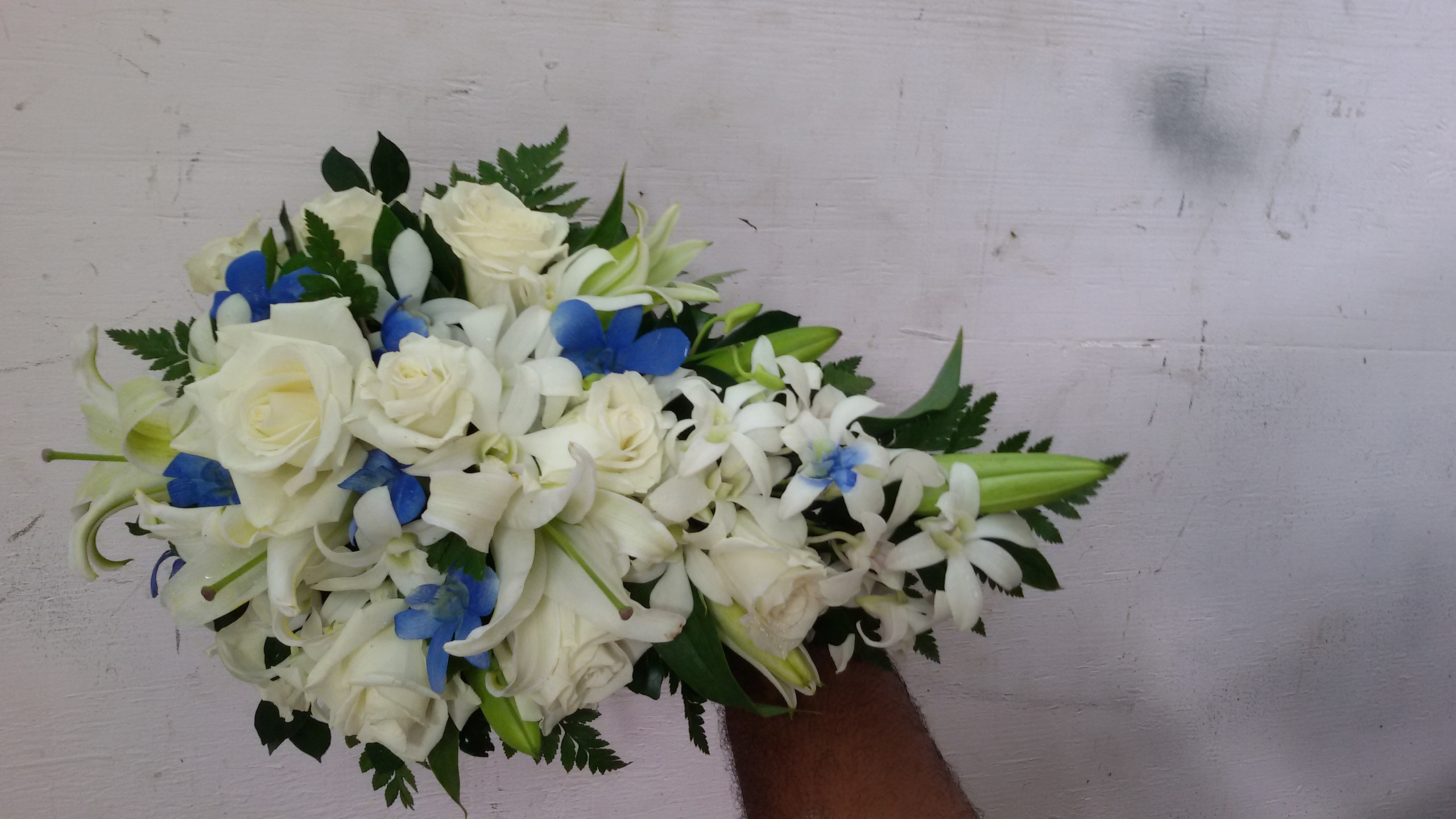 Casa Lilies, Roses & Orchids