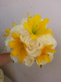 Casa Lilies & Roses
