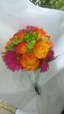 Roses & Gerber Daises