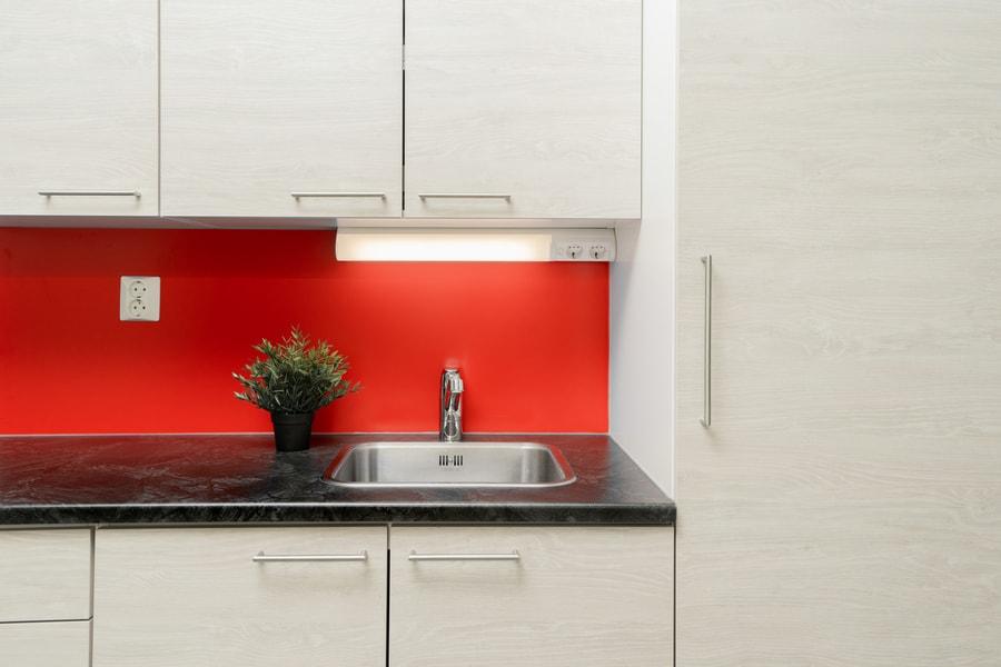 punainen-kodinhoitohuone