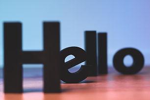 """للمبتدئين المطلقين الذين لا يزالون يمارسون العبارات الأساسية أو لا يزالون يتعلمون كلمة """"hi"""".  مرحبا!"""