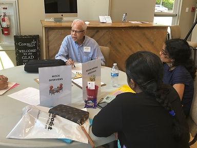 Estudiantes de Collierville Literacy Council hablan en inglés