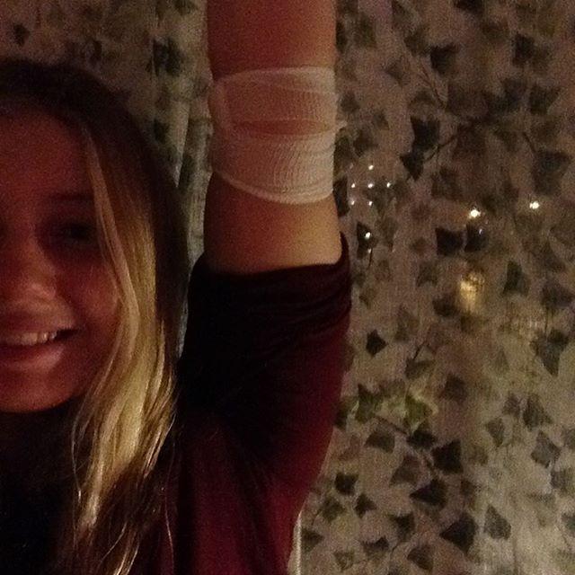 En stark arm som gett blod för att tackla bronsdiabetes och hjälpa någon annan i nöd!