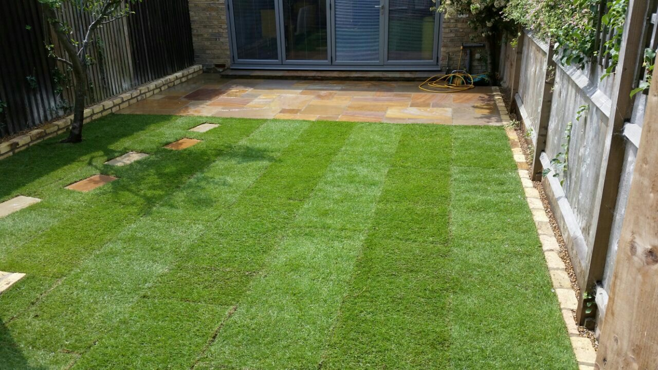 Camel Dust Paving & Natural Lawn