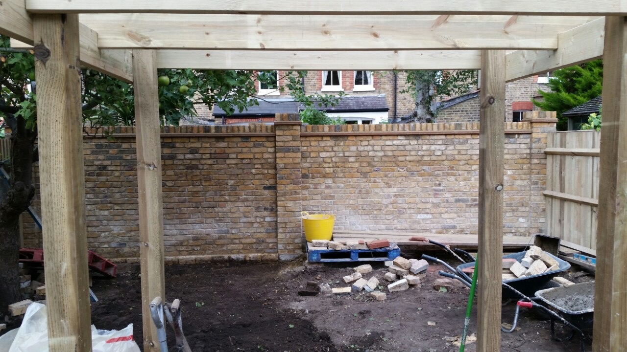 The Wall (Yellow Reclaimed London Bricks )