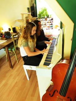jezelf begeleiden op piano/keyboard