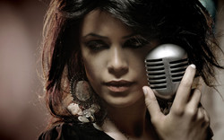 042548-microphone-music-women