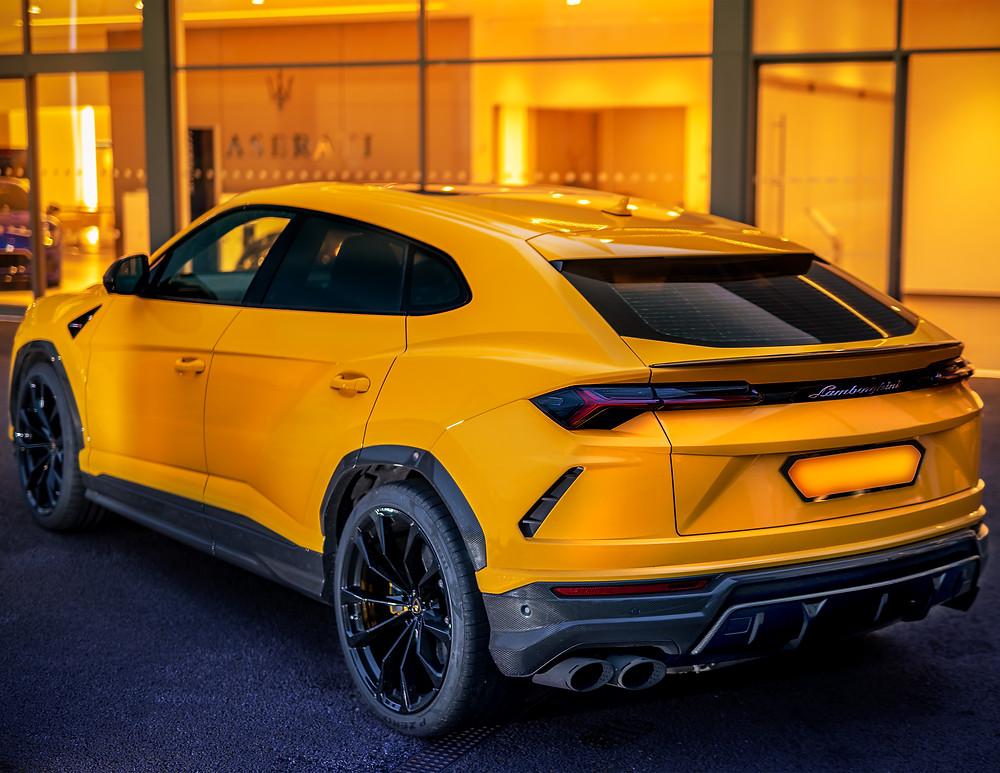 Lamborghini Urus Giallo Ague