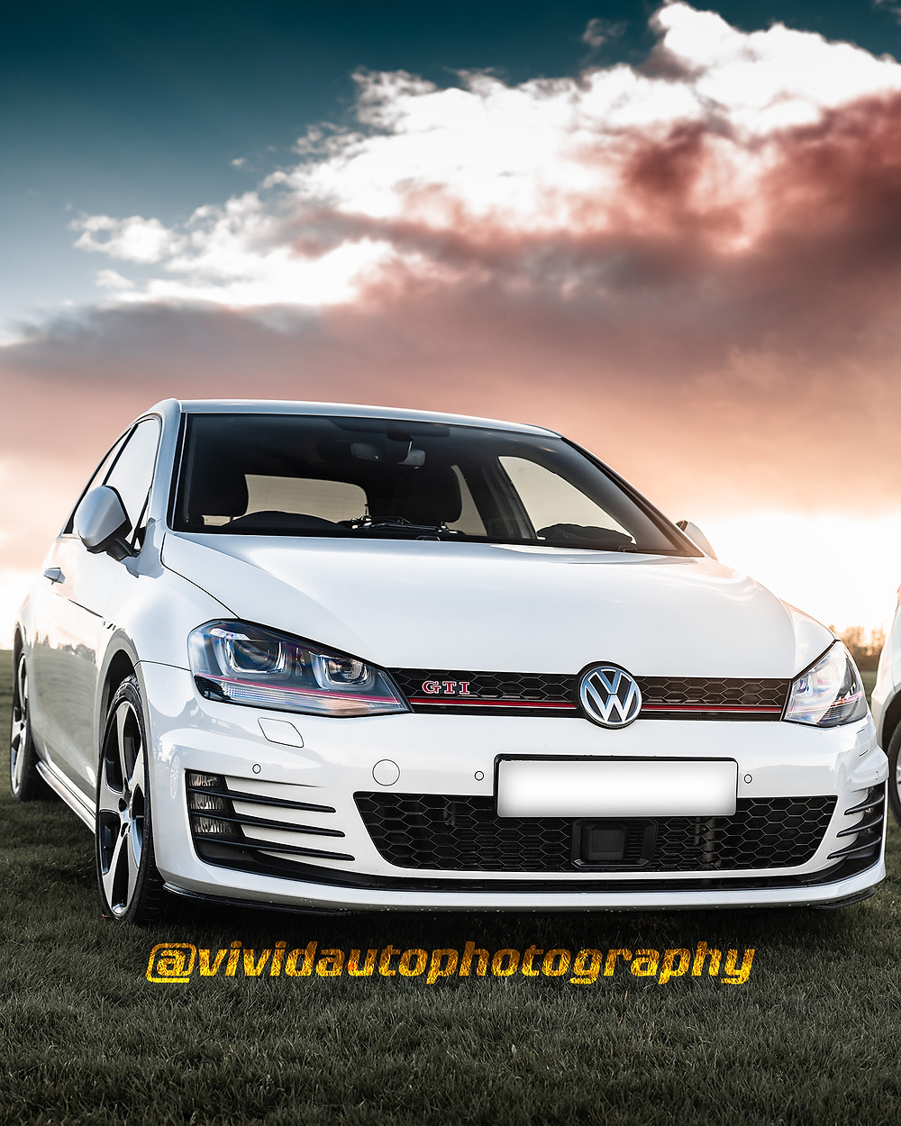 Volkswagen Golf GTi MK7 | Performance White | Oulton Park