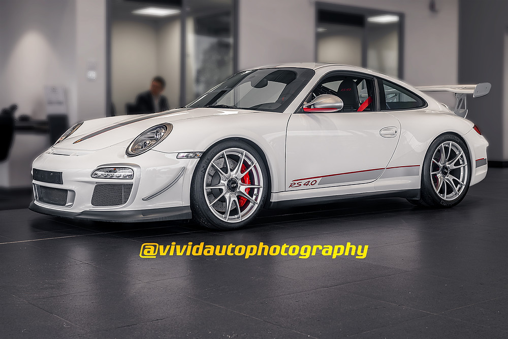 Porsche 911 GT3 RS4.0 front three quarters landscape