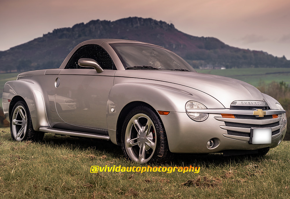 Chevrolet SSR Front three quarters | Landscape