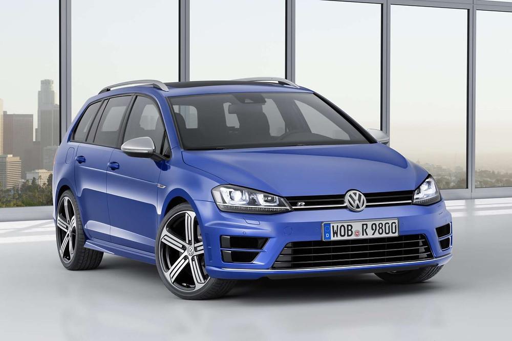 Volkswagen Golf R Estate MK7 | Lapiz Blue | Front three quarter