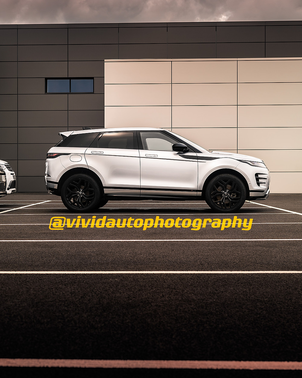 Range Rover Evoque R-Dynamic Silver Seoul Pearl Silver | Side profile poster | Land Rover Stoke