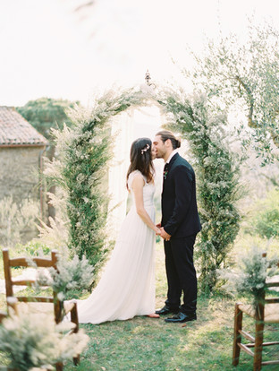 Tuscan elopement at Villa Montanare