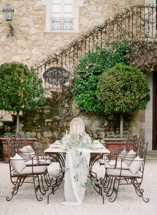 SOFT GREEN TONES FOR AN AL FRESCO WEDDING IN TUSCANY AT BORGO SANTO PIETRO