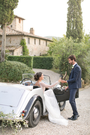 Fall Wedding at the Vignamaggio in Chianti featured at the You Your Wedding magazine