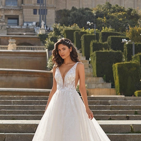 Pronovias Privée Spring/Summer 2021 Bridal Collection