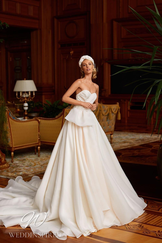 A Pollardi 2021 strapless chiffon A-line wedding dress