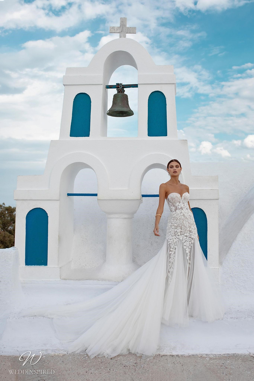 A Ricca Sposa strapless lace and tulle mermaid wedding dress with a sweetheart neckline