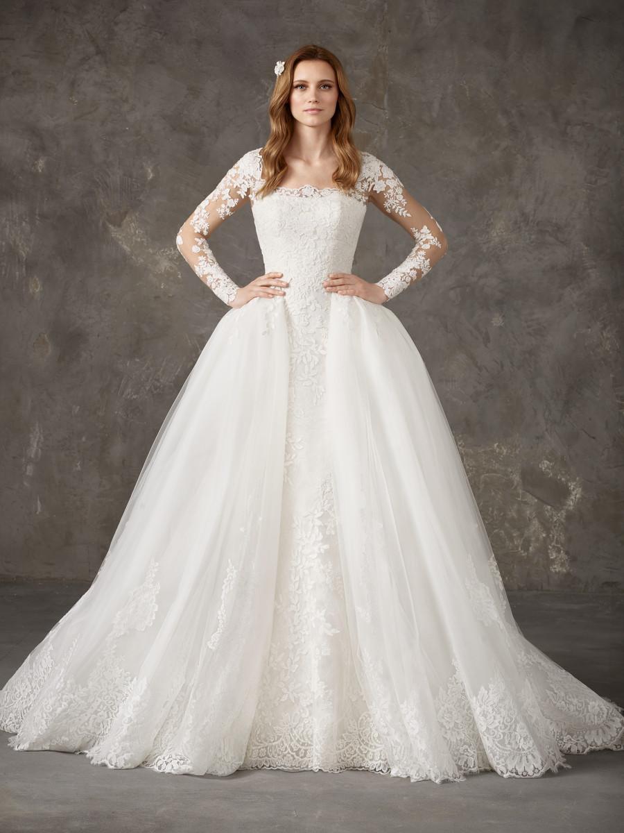 Weddinspired | 50+ Detachable Skirt Wedding Dresses | Pronovias from the Privée 2020 collection