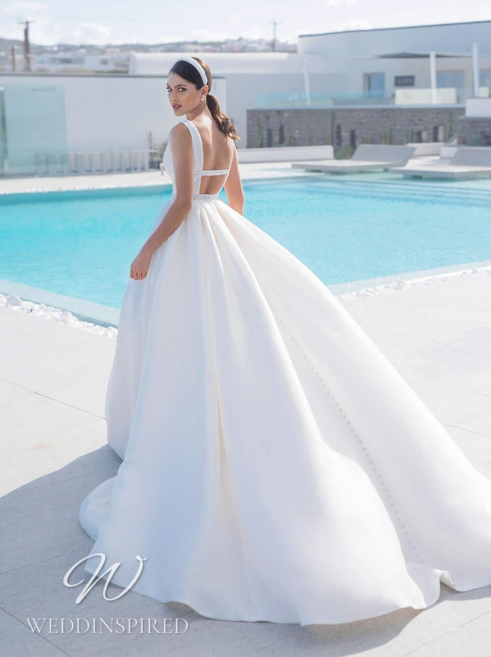 A Blunny 2021 backless satin A-line wedding dress