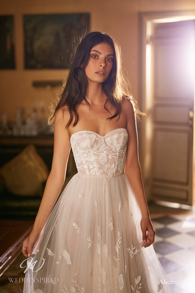 A Gali Karten strapless tulle A-line wedding dress