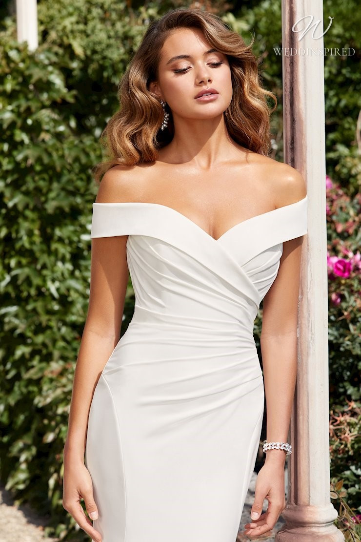 A Sophia Tolli simple off the shoulder mermaid wedding dress