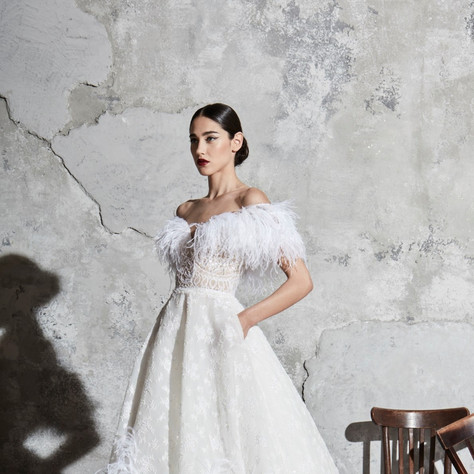 30 Feather Wedding Dresses