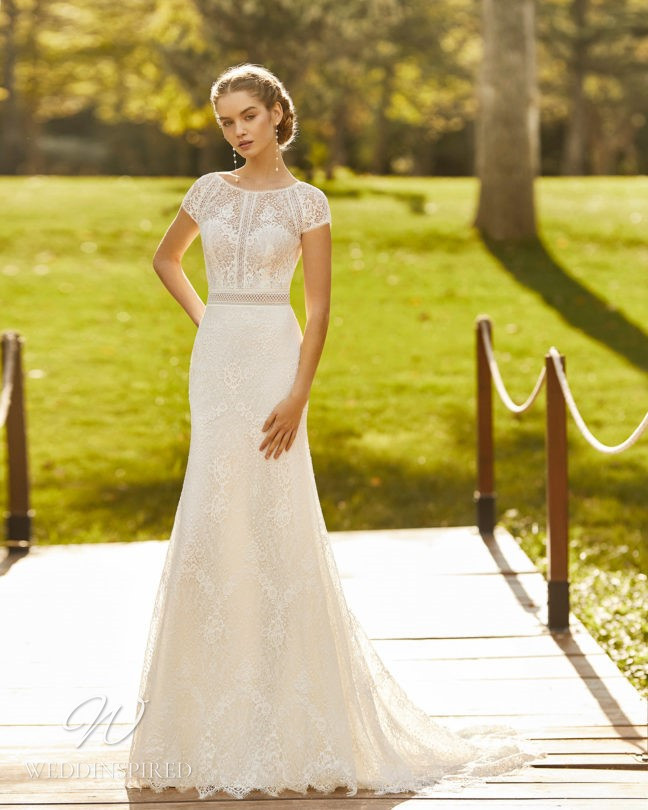 An Aire Barcelona 2021 lace mermaid wedding dress with cap sleeves