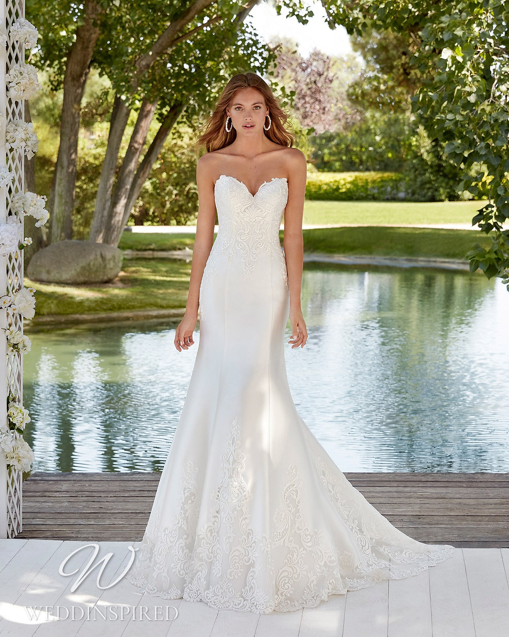 An Aire Barcelona 2021 strapless lace and satin mermaid wedding dress
