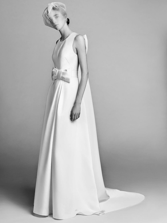 A Viktor & Rolf simple crepe A-line wedding dress with a bow