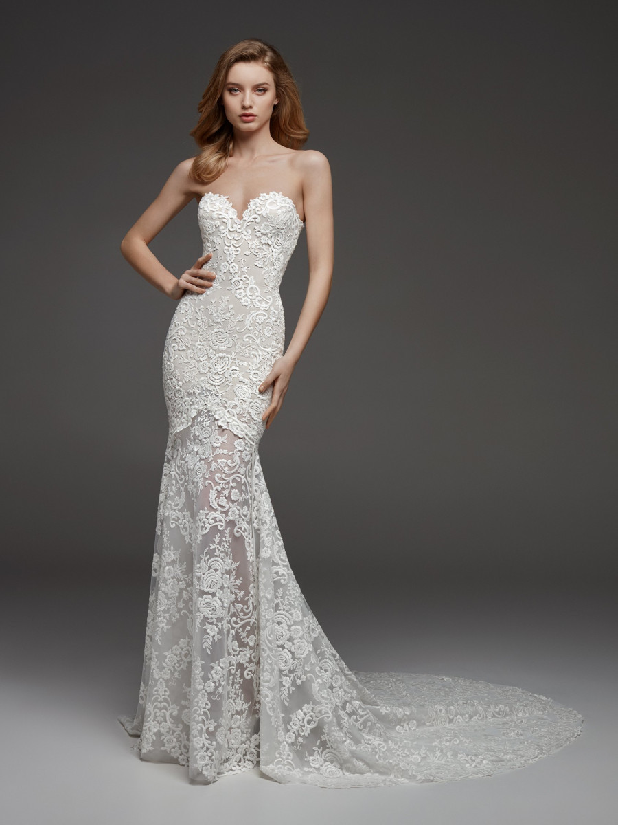 A Pronovias lace mermaid fit and flare wedding dress with a sweetheart neckline