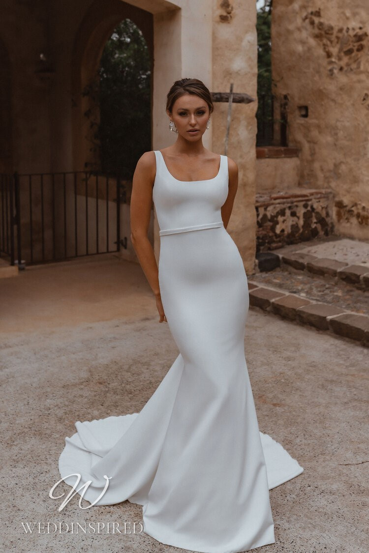 An Anna Campbell 2021 simple crepe mermaid wedding dress
