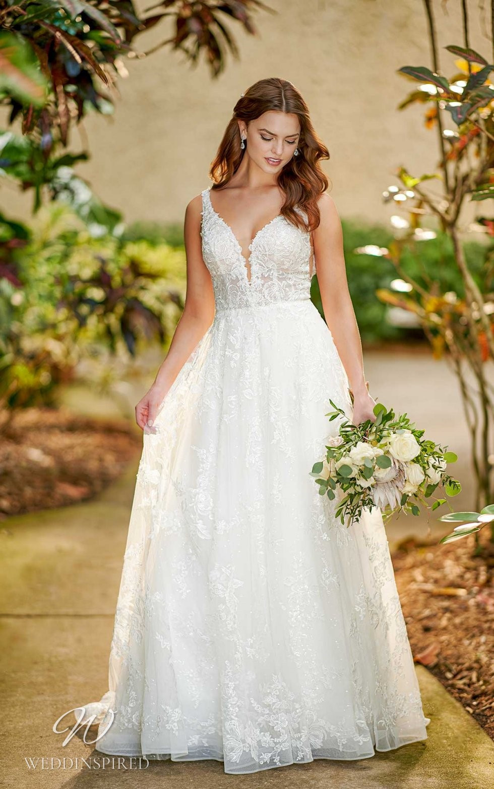 An Essense of Australia romantic lace and tulle A-line wedding dress