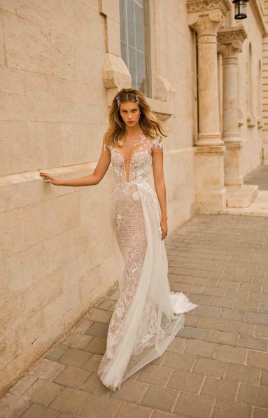 Weddinspired | 50+ Detachable Skirt Wedding Dresses | Berta from the Muse 2020 collection