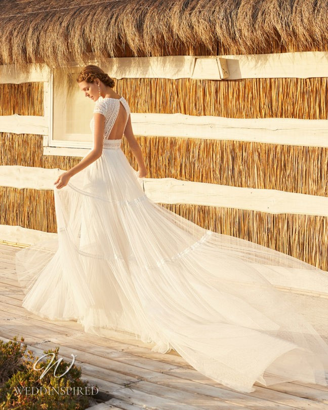 An Aire Barcelona 2021 backless lace and tulle A-line wedding dress