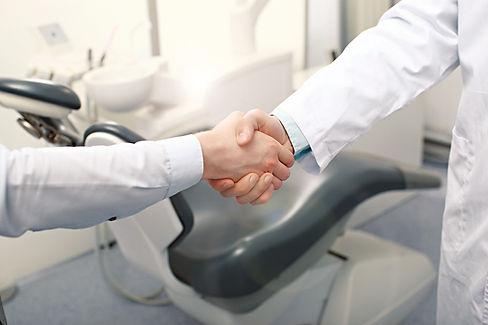 DentistHandshake_Article-1.jpg