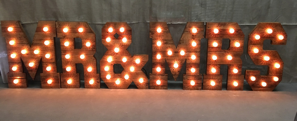 Rustic%20Giant%20light%20up%20Initial%20