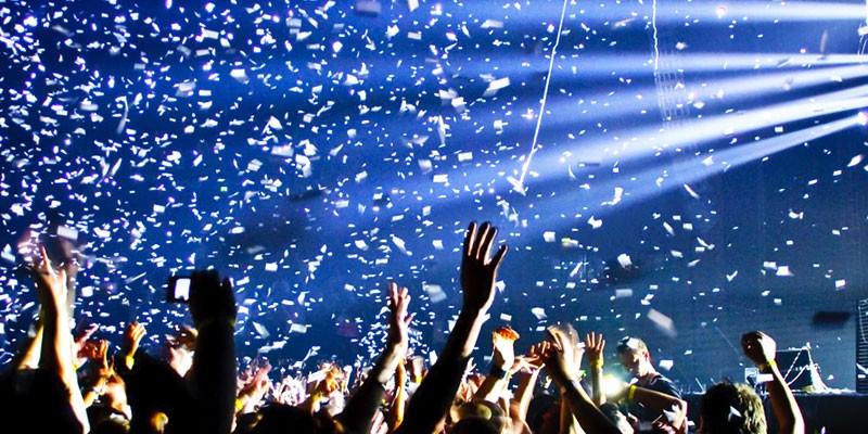 Confetti Cannon Hire Gloucestershire.jpg
