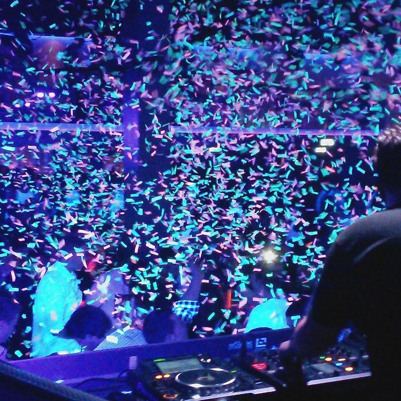 Confetti Cannon Hire Cheltenham.jpg