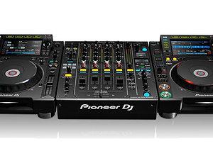 Pioneer CDJ-2000NXS2 & DJM-900NXS2 Hire