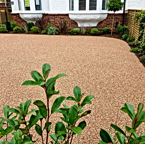 Curved Resin Driveway Kent.jpeg