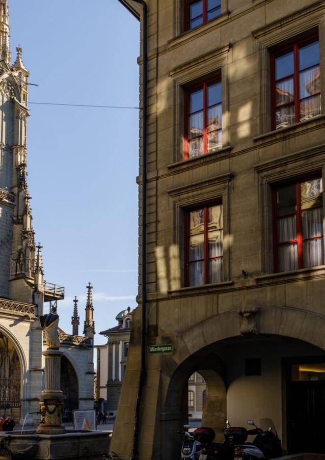 Münsterplatz, Münstergasse