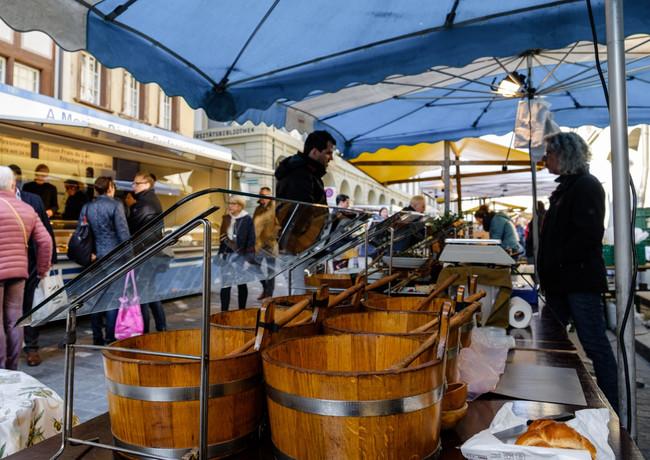 Mediterranes am Wochenmarkt, Münstergasse